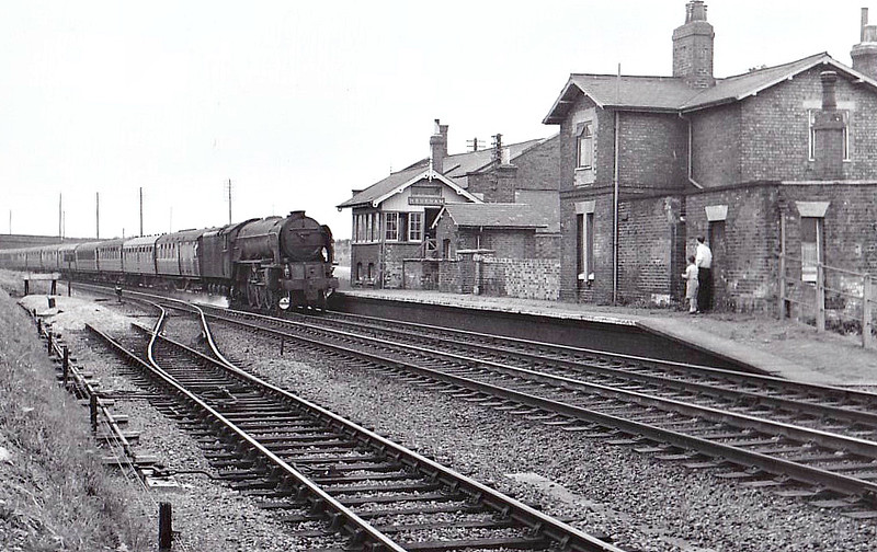 60154 BON ACCORD - Peppercorn Class A1 4-6-2 - built 09/49 by Doncaster Works - 10/65 withdrawn from 55C Leeds Neville Hill - seen here at Hougham, 08/59.