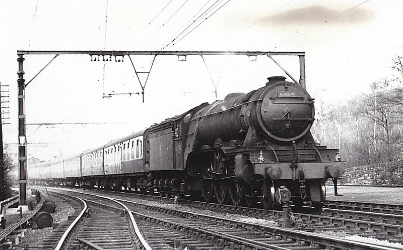 60104 SOLARIO - Gresley LNER Class A3 4-6-2 - built 03/23 by Doncaster Works as GNR No.1473 - 06/24 to LNER No.4473, 05/46 to LNER No.104, 07/48 to BR No.60104 - 12/59 withdrawn from 34A Kings Cross - seen here at Wortley, 04/54.