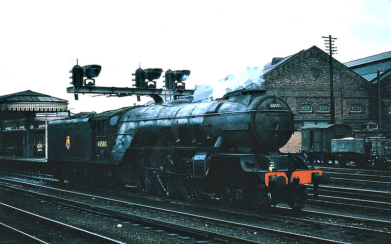 60503 LORD PRESIDENT - Thompson LNER Class A2/2 rebuild of Gresley Class P2 2-8-2 - built 06/36 by Doncaster Works as LNER No.2003 - 12/44 rebuilt to Class A2/2, 06/46 to LNER No.503, 09/48 to BR No.60503 - 11/59 withdrawn from 50a York North - seen here at York, 04/57.