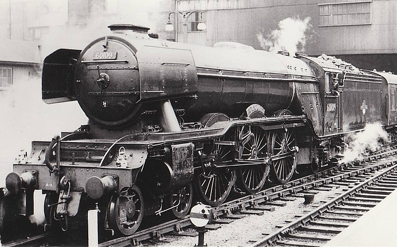 60109 HERMIT - 60109 HERMIT -  Gresley LNER Class A3 4-6-2 - built 06/23 by Doncaster Works as GNR No.1478 - 03/25 to LNER No.4478, 06/46 to LNER No.109, 05/48 to BR No.60109 - 12/62 withdrawn from 34A Kings Cross, where seen 06/62.