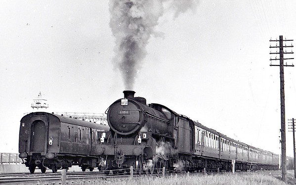 61016 INYALA - Thompson LNER/BR Class B1 4-6-0 - built 01/47 by Vulcan Foundry Co. as LNER No.1016 - 11/48 to BR No.61016 - 10/65 withdrawn from 56F Low Moor - seen here at Cleethorpes, 06/65.