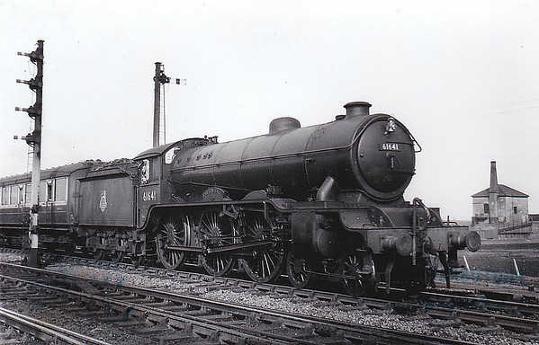61641 GAYTON HALL - Gresley LNER Class B17 4-6-0 - built 05/33 by Darlington Works as LNER No.2841 - 08/46 to LNER No.1641, 02/49 to BR No.61641 - 01/60 withdrawn from 31A Cambridge - seen here at Ely, 04/54.