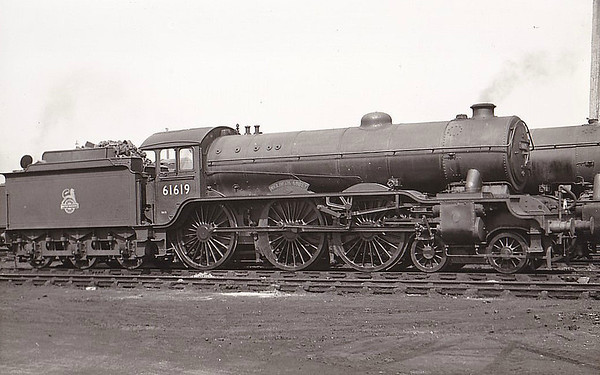 61619 WELBECK ABBEY - Gresley LNER Class B17 4-6-0 - built 11/30 by Darlington Works as LNER No.2819 - 08/46 to LNER No.1619, 08/48 to BR No.61619 - 09/58 withdrawn from 31B March, where seen 08/53.