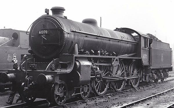 61370 - Thompson LNER/BR Class B1 4-6-0 - built 10/50 by North British Loco. Works - 07/65 withdrawn from 36C Frodingham - seen here 06/53.