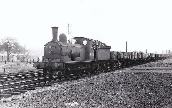 65474 - Holden GER Class Y14 LNER Class J15 0-6-0 - built 07/13 by Stratford Works as GER No.546 - 1924 to LNER No.7546, 12/46 to LNER No.5474, 05/49 to BR No.65474 - 02/60 withdrawn from 31B March, where seen 05/57.