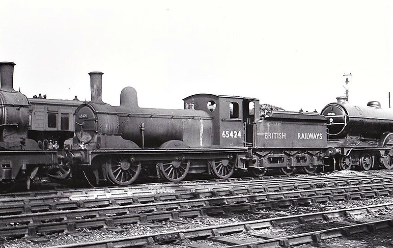 65424 - Holden GER Class Y14 LNER Class J15 0-6-0 - built 08/00 by Stratford Works as GER No.941 - 1924 to LNER No.7941, 06/46 to LNER No.5424, 03/49 to BR No.65424 - 12/59 withdrawn from 30E Colchester, where seen 09/49 - note tender cab.