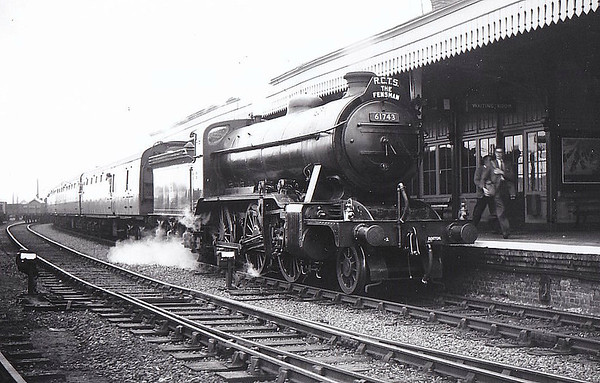 61743 - Gresley GNR/LNER Class K2 4-6-0 - built 06/16 by Doncaster Works as GNR No.1653 - 02/25 to LNER No.4653, 05/46 to LNER No.1743, 05/48 to BR No.61743 - 06/59 withdrawn from 40F Boston - seen here at Spalding at the head of the RCTS 'Fensman No.2' tour, having just hauled the train from Sleaford - Bourne - Spalding, 09/09/56. It came off here in favour of Class K3 No.61942 which hauled the train back to Kings Cross.