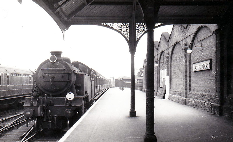 67718 - Thompson LNER/BR Class L1 2-6-4T - built 05/48 by Darlington Works - 11/61 withdrawn from 9G Gorton - seen here at Hertford East in June 1956.