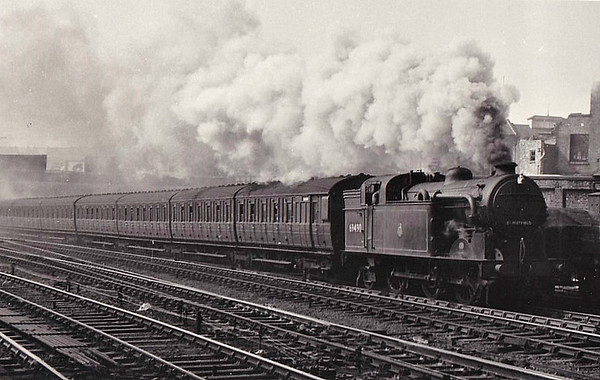 69490 - Gresley GNR/LNER Class N2 0-6-2T - built 12/20 by Doncaster Works as GNR No.1606 - 07/25 to LNER No.4606, 09/46 to LNER No.9490, 07/48 to BR No.69490 - 07/59 withdrawn from 34A Kings Cross - seen here at Holloway.