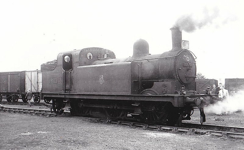 69112 - Stirling HBR Class F3 LNER Class N13 0-6-2T - built 12/13 by Hawthorne Leslie & Co. as HBR No.18 - 1922 to NER No.3018, 04/24 to LNER No.2410, 06/46 to LNER No.9112, 01/50 to BR No.69112 - 11/52 withdrawn from 53C Hull Springhead, where seen 08/52.