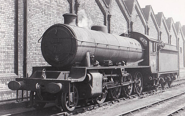 63796 - Robinson GCR Class O4/3 2-8-0 - built 03/18 by North British Loco Co. as ROD No.1902 - 02/28 to LNER No.6596, 04/46 rebuilt to Class O1 and to LNER No.3796, 12/48 to BR No.63796 - 10/62 withdrawn from 38B Annesley - seen here at Leicester GC.