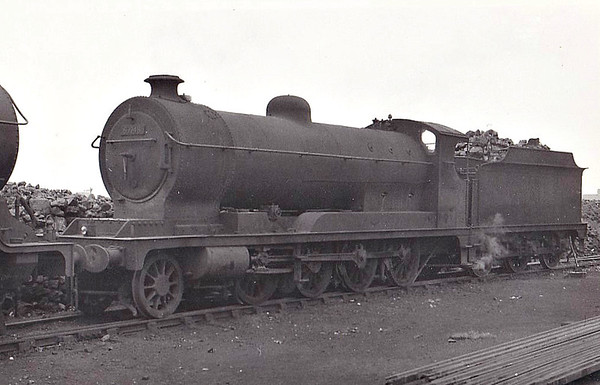 63748 - Robinson GCR Class O4/7 2-8-0 - built 11/17 by North British Loco Co. as ROD No.1827 - 12/19 to LNWR as No.2926, 01/24 to GCR No.1258, 05/24 to LNER No.6258, 08/46 to LNER No.3748, 08/48 to BR No.63748 - 11/62 withdrawn from 36C Frodingham - seen here at Chester.