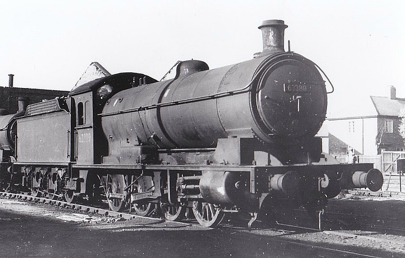 63389 - Raven NER Class T2 LNER Class Q6 0-8-0 - built 12/17 by Darlington Works as NER No.2232 - 09/46 to LNER No.3389, 06/48 to BR No.63389 - 12/65 withdrawn from 52H Tyne Dock - seen here at Consett, 10/63.