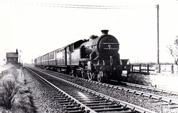 67640 - Gresley LNER Class V3 2-6-2T - built 06/35 by Doncaster Works as LNER No.486 - 11/46 to LNER No.7640, 10/48 to BR No.67640 - 10/60 rebuilt from Class V1 - 11/64 withdrawn from 52A Gateshead - seen here at East Boldon on the 1515 Newcastle - Middlesbrough in April 1954.