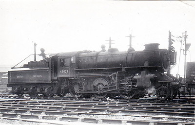 43023 - Ivatt LMS Class 4MT 2-6-0 - built 01/49 by Horwich Works - 12/67 withdrawn from 12D Workington - seen here in early BR days still with double chimney.
