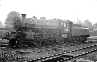 43112 - Ivatt LMS/BR Class 4MT 2-6-0 - built 03/51 by Horwich Works - 09/67 withdrawn from 5B Crewe South - seen here at Keighley in June 1953.
