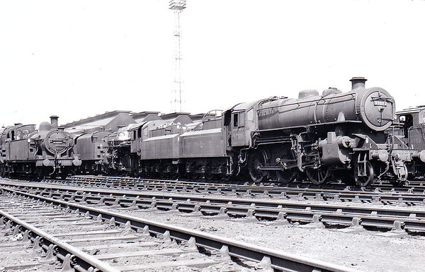 43020 - Ivatt BR Class 4MT 2-6-0 - built 12/48 by Horwich Works - withdrawn 10/66 from 2B Nuneaton.