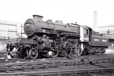 43015 - Ivatt LMS/BR Class 4MT 2-6-0 - built 05/48 by Horwich Works - 07/67 withdrawn from 51L Thornaby - seen here at Sheffield Brightside in October 1948.