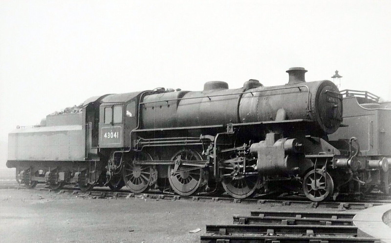 43041 - Ivatt LMS Class 4MT 2-6-0 - built 08/49 by Horwich Works - 08/67 withdrawn from 10D Lostock Hall.