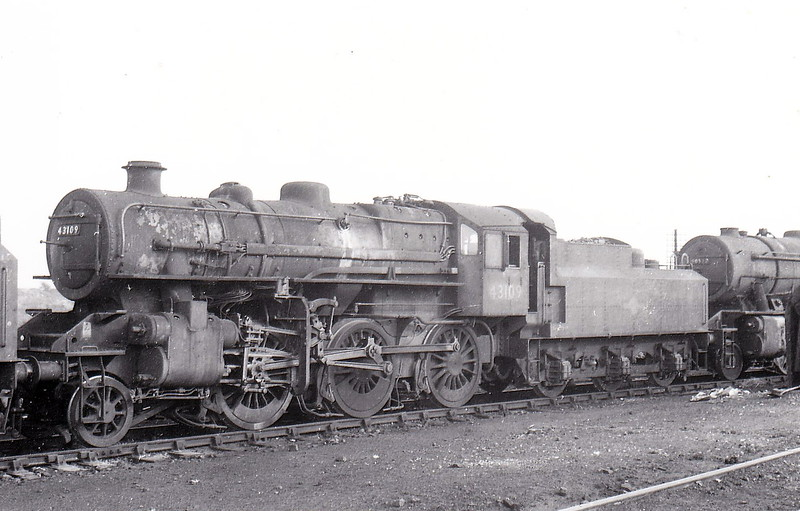 43109 - Ivatt LMS Class 4MT 2-6-0 - built 06/51 by Doncaster Works - 11/65 withdrawn from 41J Langwith Junction.