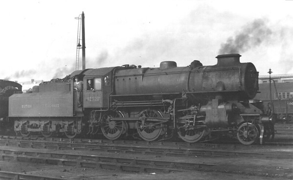 43020 - Ivatt LMS/BR Class 4MT 2-6-0 - built 12/48 by Horwich Works - 10/66 withdrawn from 2B Nuneaton - seen here at Willesden in January 1952.