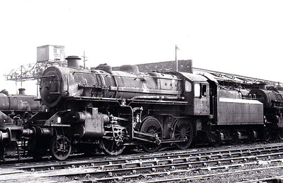 43002 - Ivatt LMS Class 4MT 2-6-0 - built 12/47 by Horwich Works as LMS No.3002 - 06/50 to BR No.43002 - 12/67 withdrawn from 12D Workington - seen here at Stoke on Trent in November 1966.