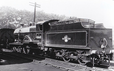 40668 - Fowler LMS Class 2P 4-4-0 - built 01/32 by Derby Works as LMS No.668 - 04/48 to BR No.40669 - 10/61 withdrawn from 67D Ardrossan - seen here at Ferryhill, 08/58.