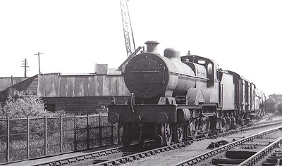 41048 - Fowler LMS Compound Class 4-4-0 - built 03/24 by Derby Works as LMS No.1048 - 12/48 to BR No.41048 - 10/57 withdrawn from 15A Wellingborough.
