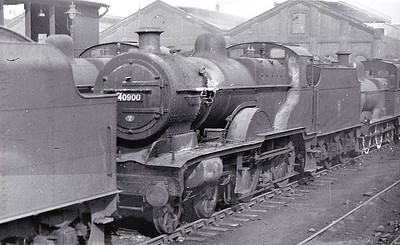 40900 - Fowler LMS Compound Class 4-4-0 - built 04/27 by Vulcan Foundry as LMS No.900 - 10/48 to BR No.40900 - 07/53 withdrawn from 16A Nottingham, where seen.