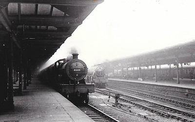 41144 - Fowler LMS Compound Class 4-4-0 - built 07/25 by North British Loco Co. as LMS No.1144 - 10/48 to BR No.41144 - 03/58 withdrawn from 16A Nottingham - seen here at Leeds, 06/50.