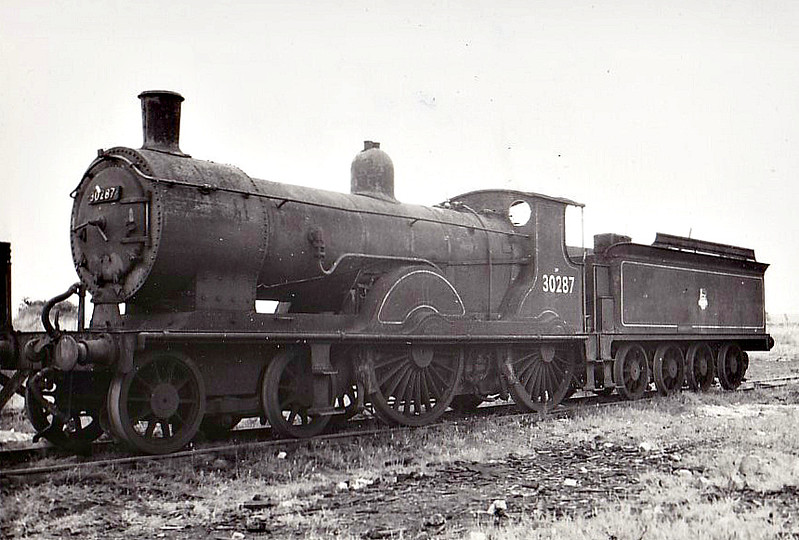 30287 - Drummond LSWR Class T9 4-4-0 - built 02/00 by Nine Elms Works as LSWR No.287 - 01/49 to BR No.30287 - 09/61 withdrawn from 70F Fratton - seen here at Eastleigh, 08/61.
