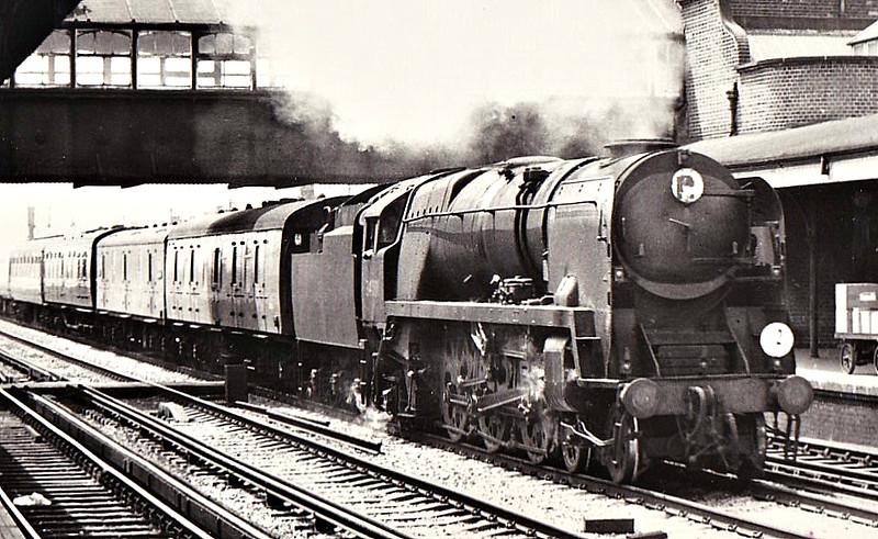 34001 EXETER - Bulleid SR Battle of Britain/West Country Class 4-6-2 - built 06/45 by Brighton Works as SR No.21c101 - 05/49 to BR No.34001 - 11/57 streamlining removed - 07/67 withdrawn from 70A Nine Elms - seen here at Eastleigh, 1966.