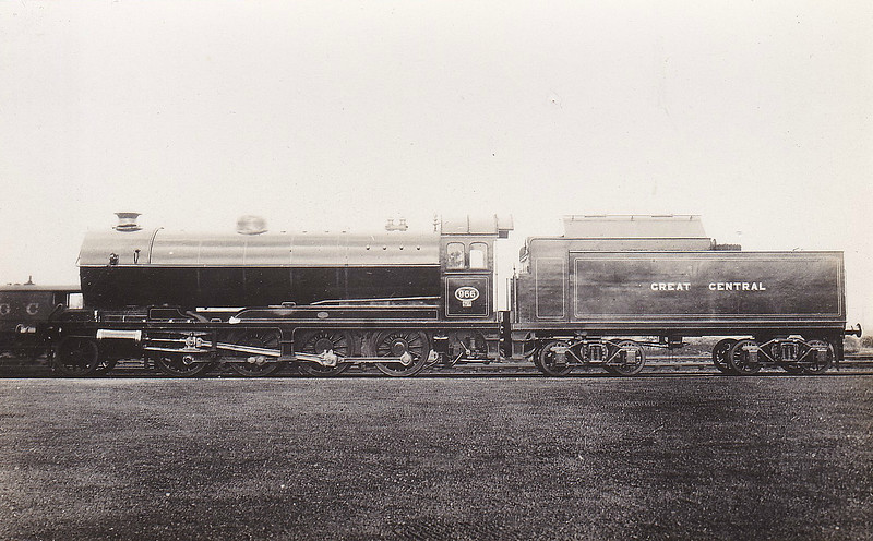 966 - Robinson GCR Class 8K LNER Class O4 2-8-0 - built 09/11 by Gorton Works - 06/24 to LNER No.5966, 12/46 to LNER No.3500, 02/47 to LNER No.3572, 06/49 to BR No.63572 - withdrawn 11/59 from 36C Frodingham - seen here when new fitted with bogie tender for pulverised fuel.
