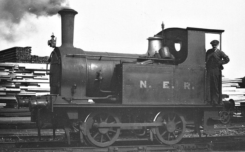 560 - Worsdell NER Class K LNER Class Y8 0-4-0T - built 06/1890 by Gateshead Works for shunting duties in Hull Docks - 1946 to LNER No.8091 - BR No.68091 not applied - 06/54 to Departmental Stock as No.55 (York MPD pilot) - 12/56 withdrawn from 50A York North.