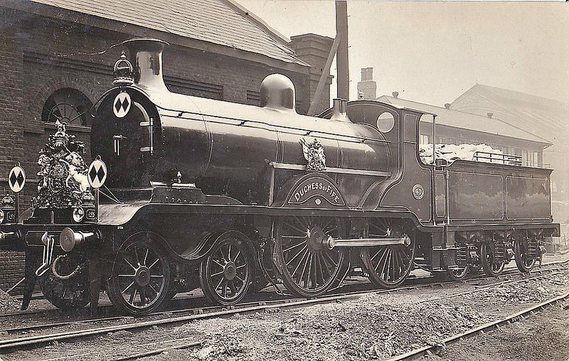 43 DUCHESS OF FIFE - Billinton Class B4 4-4-0 - built 05/02 by Brighton Works - 1931 to SR No.2043 - BR No.32043 not applied - 12/51 withdrawn from 73B Bricklayers Arms - seen here bedecked for Royal Train duty.