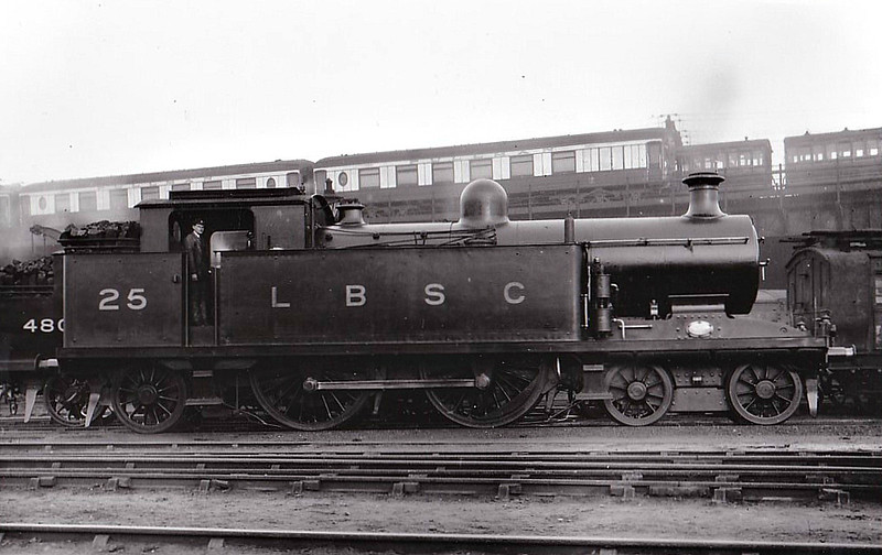 25 - Marsh Class I3 4-4-2T - built 03/09 by Brighton Works - 1931 to SR No.2025 - BR No.32025 not applied - 01/50 withdrawn from 75F Tunbridge Wells.