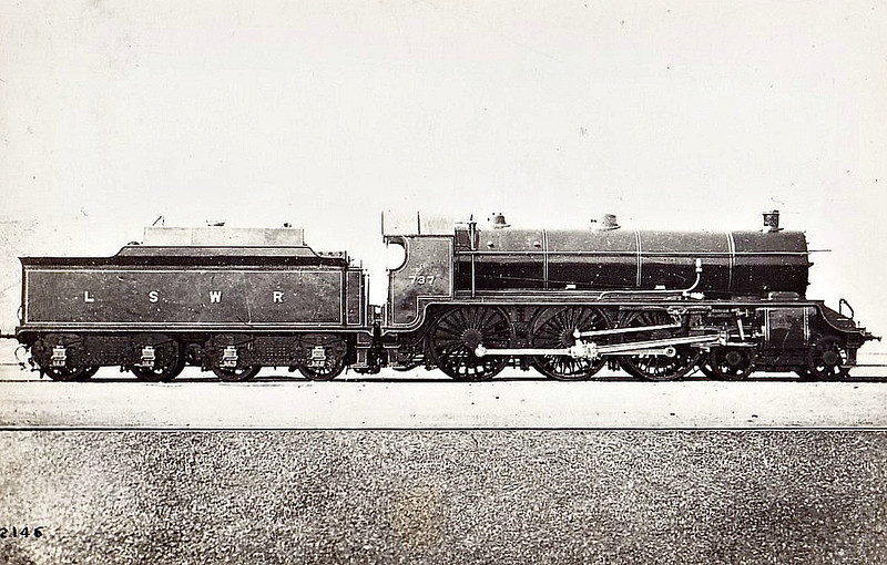 737 KING UTHER - Urie/Maunsell Kings Arthur Class 4-6-0 - built 10/18 by Eastleigh Works - 07/49 to BR No.30737 - 08/56 withdrawn from 71A Eastleigh - seen here before naming.