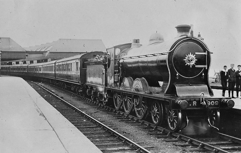 909 SIR JAMES KING - McIntosh CR Class 908 4-6-0 - built 1906 by St Rollox Works - 1923 to LMS No.14610 - 1933 withdrawn.