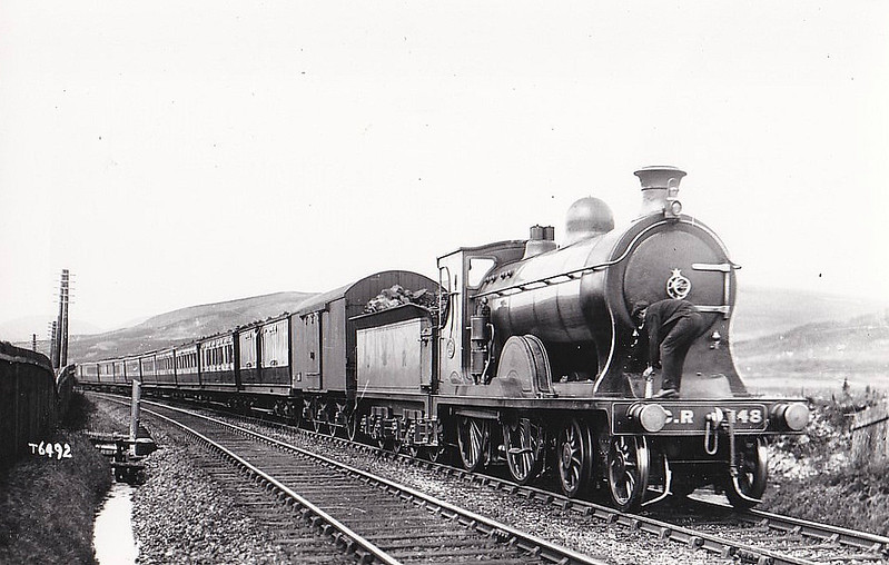 148 - McIntosh CR Class 140 'Dunalastair IV' 4-4-0 - built 1905 by St Rollox Works - 1923 to LMS No.14357 - 1938 withdrawn - what makes you think that this picture was posed?