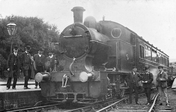 Railmotor No.10 - Hughes LYR 0-4-0T Railmotor - built 1907 by Horwich Works, Works No.978 - 1923 to LMS No.10607 - 1934 withdrawn - seen here when new I think.