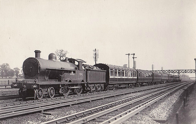 5000 CORONATION - Bowen-Cooke LNWR Class 3P 'George the Fifth- 4-4-0 - built 06/11 by Crewe Works - 1923 to LMS No.1800, 06/27 to LMS No.5348, 08/36 to LMS No.25348 - 06/40 withdrawn - seen here near Kenton.
