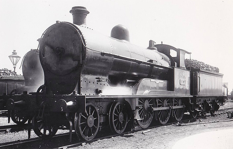 810 ONYX - Bowen-Cooke LNWR 'Prince of Wales' 4P 4-6-0 - built 01/16 by Crewe Works - 1923 to LMS No.5652 - 09/33 withdrawn.
