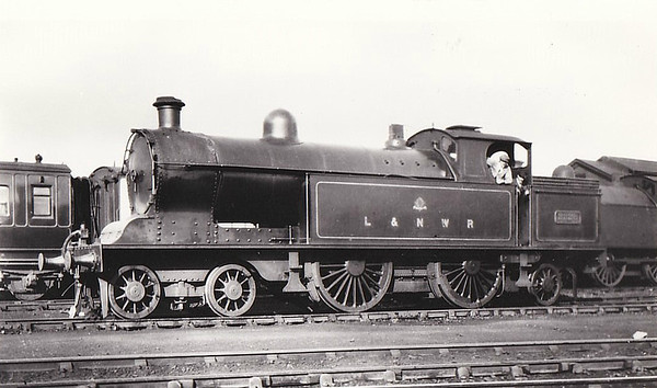 LOCOMOTIVES OF THE LONDON & NORTH WESTERN RAILWAY