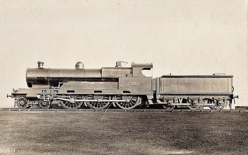 2222 SIR GILBERT CLAUGHTON - Bowen-Cooke LNWR 'Claughton' Class 5XP 4-6-0 - built 01/13 by Crewe Works - 06/25 to LMS No.5900 - 03/35 withdrawn.