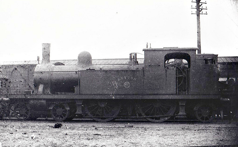 32 LEYTON - Whitelegg Class 1 4-4-2T - built 1892 by Nasmyth Wilson & Co. - 1912 to MR No.2141, 1930 to LMS No.2062 - 1933 withdrawn - seen here at Plaistow, 03/01.