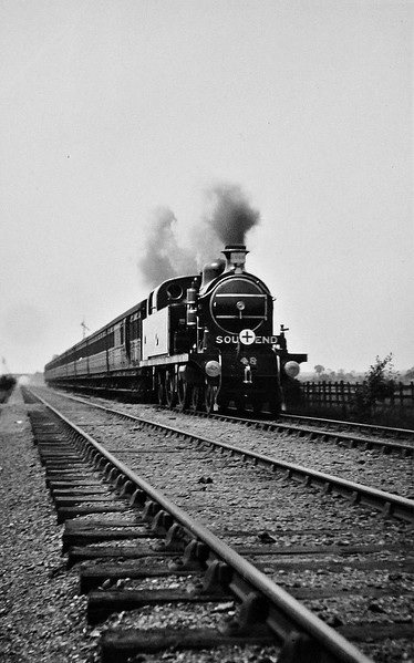 48 LITTLE ILFORD - Whitelegg LTSR Class 37 4-4-2T - built 1899 by Dubs & Co. - 1912 to MR No.2157, 1930 to LMS No.2146, 05/48 to BR No.41964 - 02/51 withdrawn from 16D Mansfield.