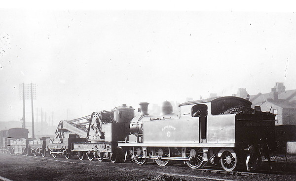 72 HADLEIGH - Whitelegg Class 69 0-6-2T - built 06/03 by North British Loco Co. - 1912 to MR No.2183, 1923 to LMS No.2223, 1939 to LMS No.2183, 1947 to LMS No.1983, 07/48 to BR No.41983 - 02/59 withdrawn from 13A Plaistow - seen here at Woodgrange Park on the breakdown train in 1908.