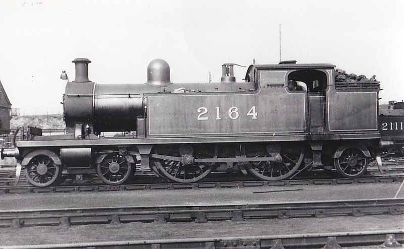 2164 - Whitelegg LTSR Class 51 4-4-2T - built 1900 by Sharp Stewart as LTSR No.57 CROUCH HILL - 1912 to MR No.2164, 1930 to LMS No.2098 - BR No.41916 not applied - 03/51 withdrawn from 16A Nottingham.