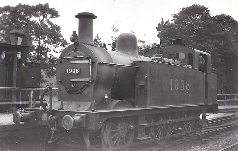 1938 - Johnson MR Class 3F 0-6-0T - built 05/02 by Vulcan Foundry as MR No.2759 - 1907 to MR No.1938, 1932 to LMS No.7238, 09/51 to BR No.47238 - 01/60 withdrawn from 24G Skipton - seen here at Bromsgrove, presumably on banking duties.