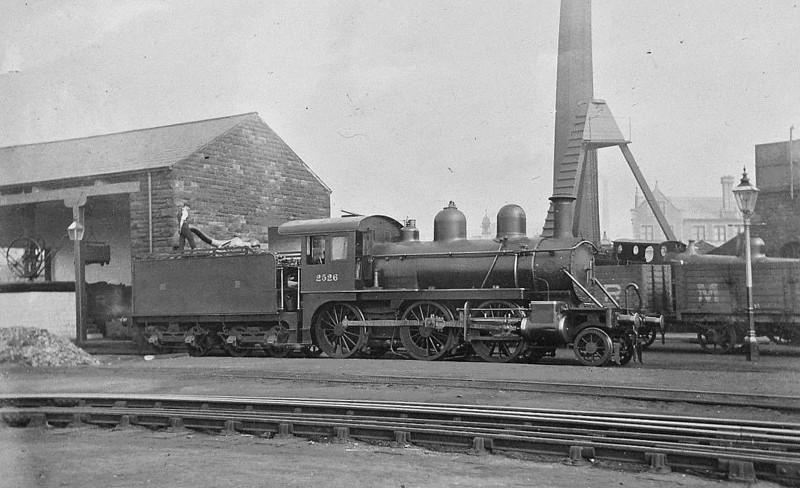 2526 - Johnson MR 'Yankee Mogul' 2-6-0 - built 1899 by Baldwin Locomotive Co. as MR No.2526 - 1907 to MR No.2215 - 1909 withdrawn.